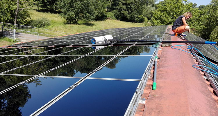 PV cleaning: How to keep the modules shiny