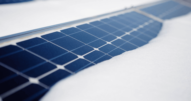 Snow On Solar Panels: Do Solar Power Plants Also Work In The Winter?